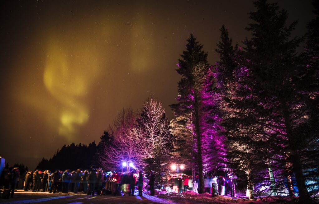 Outdoor party at night for 300 employees of Pepsi with northern lights and starry sky at event planned by g-events dmc | pco.