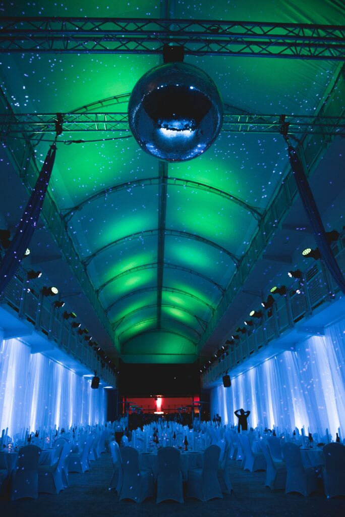 Northern lights theme gala dinner, award ceremony and party at event at Reykjavik Art Gallery planned by g-events dmc | pco.